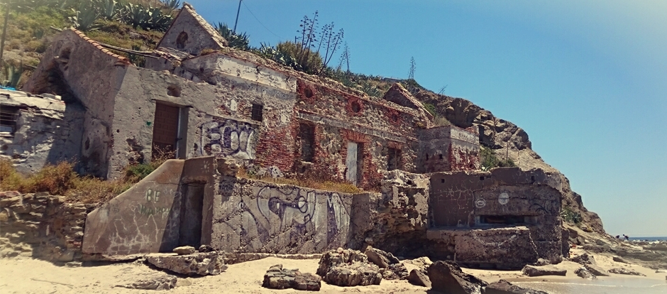 Casa de Salvamento de Náufragos en la Playa de la Caleta en Tarifa