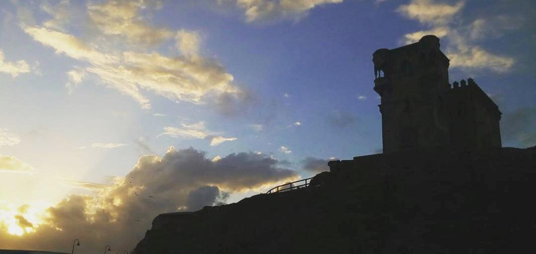 Atardecer sobre el Castillo de Santa Catalina en Tarifa
