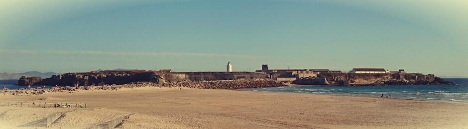 Isla de las Palomas de Tarifa vista desde la playa de los Lances